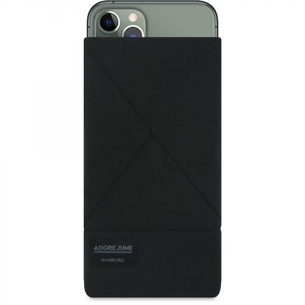 Das Bild zeigt die Vorderseite von Triangle Tasche für Apple iPhone 11 Pro in Farbe Schwarz; Zur Veranschaulichung wird ebenfalls dargestellt, wie das kompatible Gerät in dieser Tasche aussieht