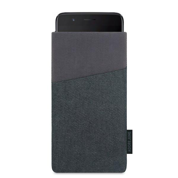 Das Bild zeigt die Vorderseite von Clive Tasche für OnePlus 5 in Farbe Schwarz / Grau; Zur Veranschaulichung wird ebenfalls dargestellt, wie das kompatible Gerät in dieser Tasche aussieht