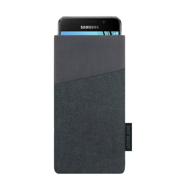 The picture shows the front of Clive Sleeve for Samsung Galaxy A3 2016-2017 in color Black / Grey; As an illustration, it also shows what the compatible device looks like in this bag
