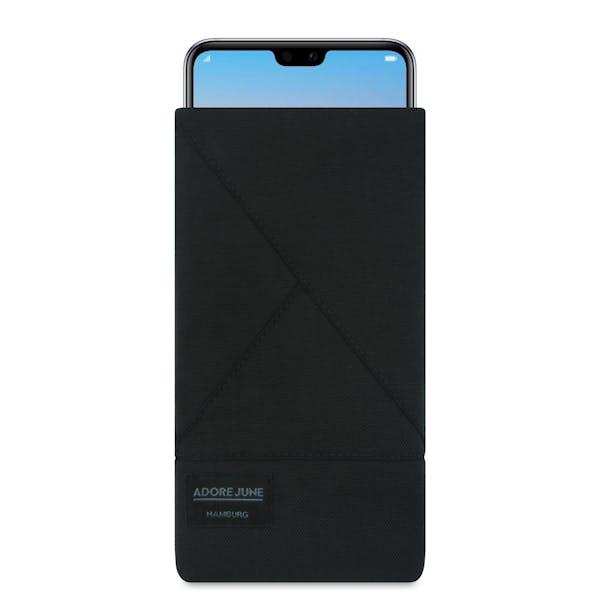 Das Bild zeigt die Vorderseite von Triangle Tasche für Huawei P20 PRO in Farbe Schwarz; Zur Veranschaulichung wird ebenfalls dargestellt, wie das kompatible Gerät in dieser Tasche aussieht