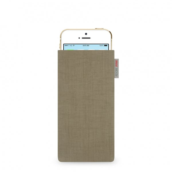 The picture shows the front of Classic Sleeve for Apple iPhone SE and iPhone 5 and 5S in color Gold; As an illustration, it also shows what the compatible device looks like in this bag