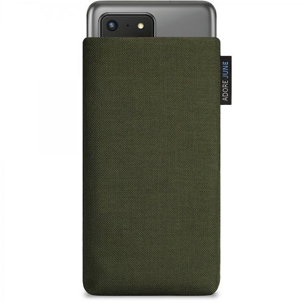 Das Bild zeigt die Vorderseite von Classic Tasche für Samsung Galaxy S20 Ultra in Farbe Oliv-Grün; Zur Veranschaulichung wird ebenfalls dargestellt, wie das kompatible Gerät in dieser Tasche aussieht