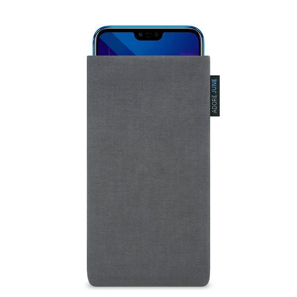 Das Bild zeigt die Vorderseite von Classic Tasche für Honor 10 in Farbe Dunkelgrau; Zur Veranschaulichung wird ebenfalls dargestellt, wie das kompatible Gerät in dieser Tasche aussieht