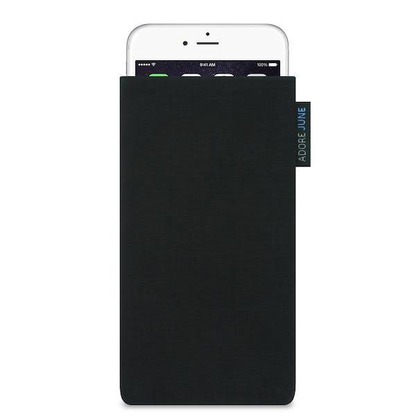 Das Bild zeigt die Vorderseite von Classic Tasche für Apple iPhone 6 6S und iPhone 7 in Farbe Schwarz; Zur Veranschaulichung wird ebenfalls dargestellt, wie das kompatible Gerät in dieser Tasche aussieht