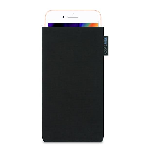 Das Bild zeigt die Vorderseite von Classic Tasche für Apple iPhone 8 Plus in Farbe Schwarz; Zur Veranschaulichung wird ebenfalls dargestellt, wie das kompatible Gerät in dieser Tasche aussieht