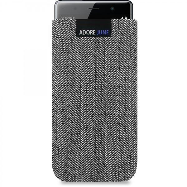 Das Bild zeigt die Vorderseite von Business Tasche für Sony Xperia XZ2 Premium in Farbe Grau / Schwarz; Zur Veranschaulichung wird ebenfalls dargestellt, wie das kompatible Gerät in dieser Tasche aussieht