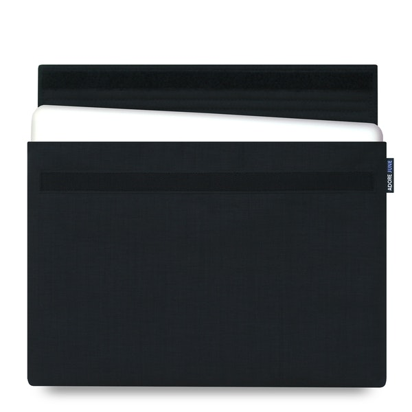 The picture shows the front of Classic Sleeve for Apple MacBook Pro 15 2012-2015 in color Black; As an illustration, it also shows what the compatible device looks like in this bag
