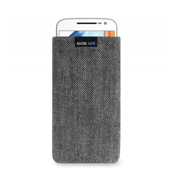 Das Bild zeigt die Vorderseite von Business Tasche für Motoderola Moto G4 und Moto G4 Plus in Farbe Grau / Schwarz; Zur Veranschaulichung wird ebenfalls dargestellt, wie das kompatible Gerät in dieser Tasche aussieht