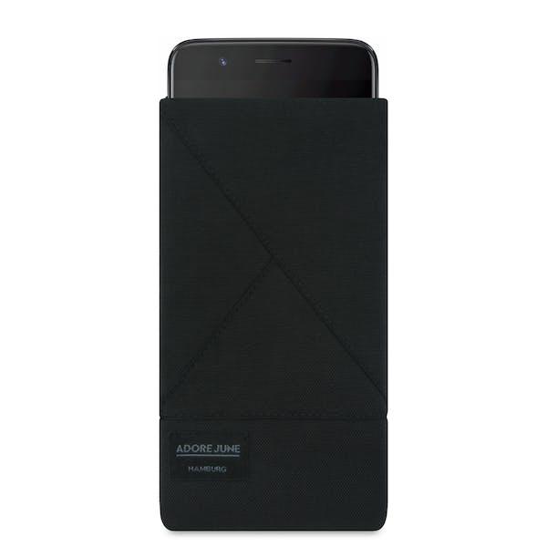 Das Bild zeigt die Vorderseite von Triangle Tasche für OnePlus 5 in Farbe Schwarz; Zur Veranschaulichung wird ebenfalls dargestellt, wie das kompatible Gerät in dieser Tasche aussieht