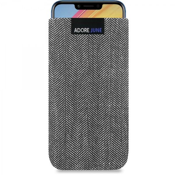 Das Bild zeigt die Vorderseite von Business Tasche für Honor Play in Farbe Grey / Glack; Zur Veranschaulichung wird ebenfalls dargestellt, wie das kompatible Gerät in dieser Tasche aussieht