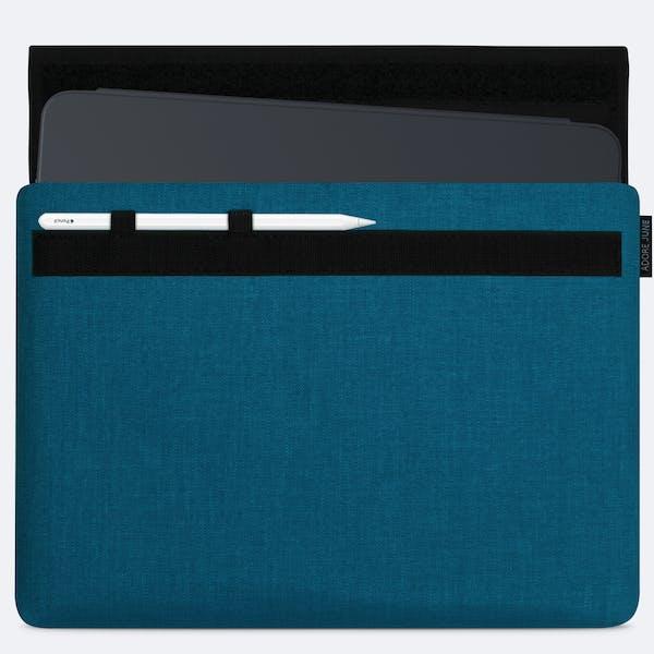 Bild 1 von Adore June Classic Hülle für Apple iPad Pro 11 in Farbe Ozean-Blau
