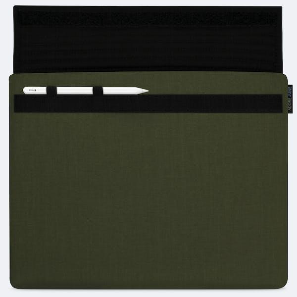 Bild 1 von Adore June Classic Hülle für Apple iPad Pro 12 9 in Farbe Oliv-Grün