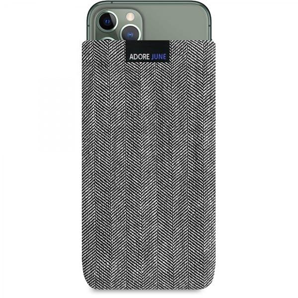 Das Bild zeigt die Vorderseite von Business Tasche für Apple iPhone 11 Pro in Farbe Grau / Schwarz; Zur Veranschaulichung wird ebenfalls dargestellt, wie das kompatible Gerät in dieser Tasche aussieht