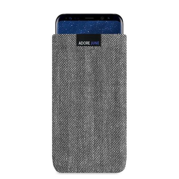 Das Bild zeigt die Vorderseite von Business Tasche für Samsung Galaxy S8 Plus in Farbe Grau / Schwarz; Zur Veranschaulichung wird ebenfalls dargestellt, wie das kompatible Gerät in dieser Tasche aussieht
