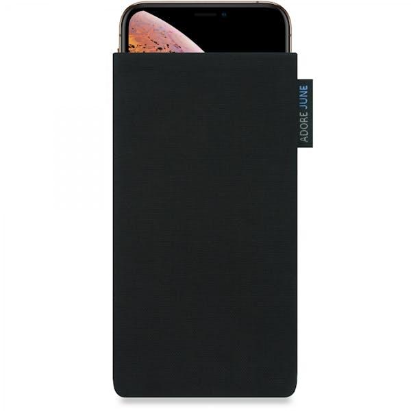 Das Bild zeigt die Vorderseite von Classic Tasche für Apple iPhone X und iPhone XS in Farbe Schwarz; Zur Veranschaulichung wird ebenfalls dargestellt, wie das kompatible Gerät in dieser Tasche aussieht