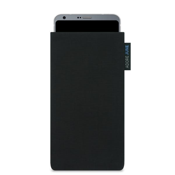 Das Bild zeigt die Vorderseite von Classic Tasche für LG G6 in Farbe Schwarz; Zur Veranschaulichung wird ebenfalls dargestellt, wie das kompatible Gerät in dieser Tasche aussieht