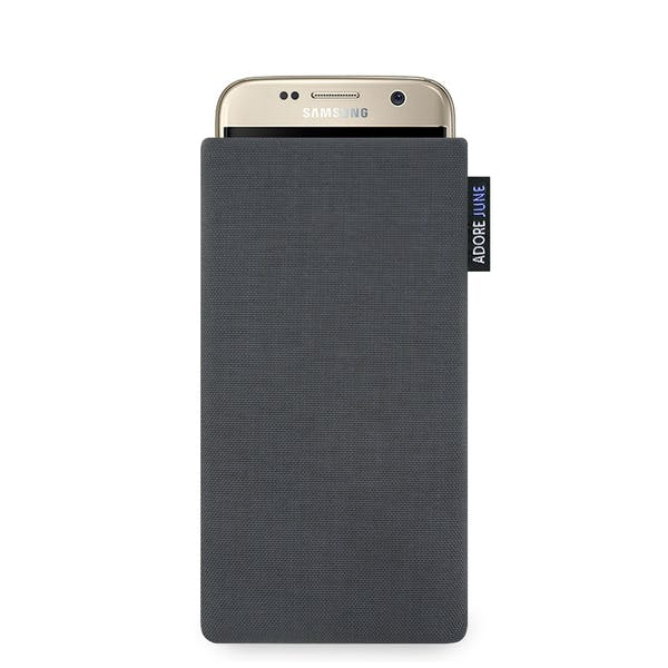The picture shows the front of Classic Sleeve for Samsung Galaxy S7 in color Dark Grey; As an illustration, it also shows what the compatible device looks like in this bag