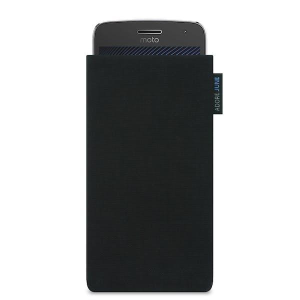 Das Bild zeigt die Vorderseite von Classic Tasche für Motorola Moto G5 Plus in Farbe Schwarz; Zur Veranschaulichung wird ebenfalls dargestellt, wie das kompatible Gerät in dieser Tasche aussieht