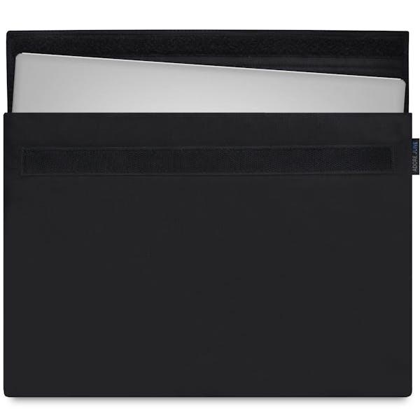 Das Bild zeigt die Vorderseite von Classic Hülle für Dell XPS 13 in Farbe Schwarz; Zur Veranschaulichung wird ebenfalls dargestellt, wie das kompatible Gerät in dieser Tasche aussieht
