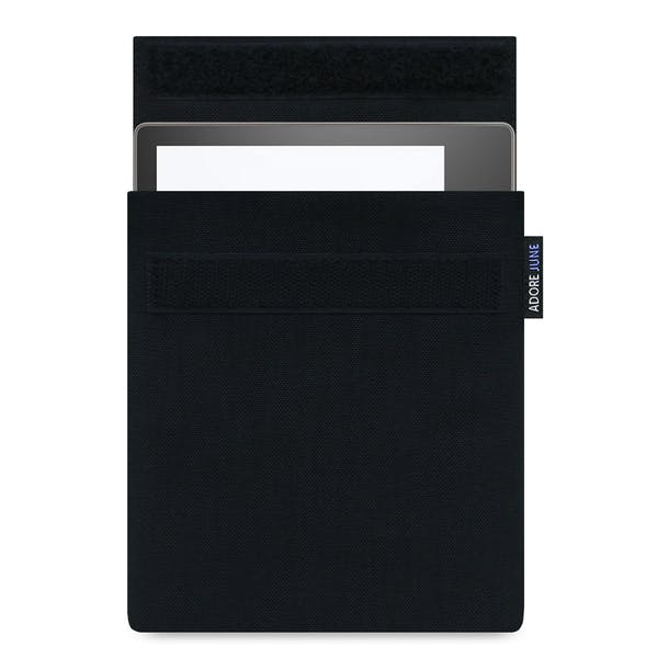 The picture shows the front of Classic Sleeve for Kindle Oasis in color Black; As an illustration, it also shows what the compatible device looks like in this bag