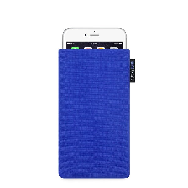 The picture shows the front of Classic Sleeve for Apple iPhone 6 6S and iPhone 7 in color Blue; As an illustration, it also shows what the compatible device looks like in this bag