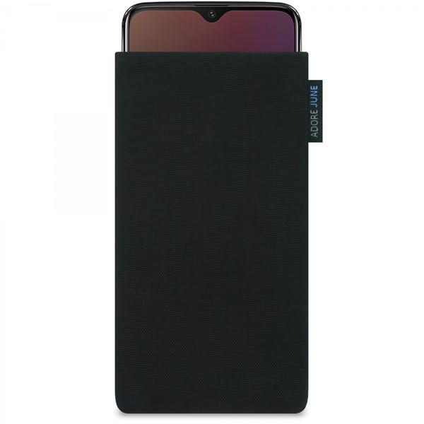 The picture shows the front of Classic Sleeve for OnePlus 6T And OnePlus 7 in color Black; As an illustration, it also shows what the compatible device looks like in this bag