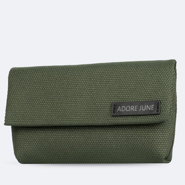Bild 1 von Adore June Schutzhülle für WD My Passport SSD und SanDisk Extreme SSD Bent in Farbe Oliv-Grün
