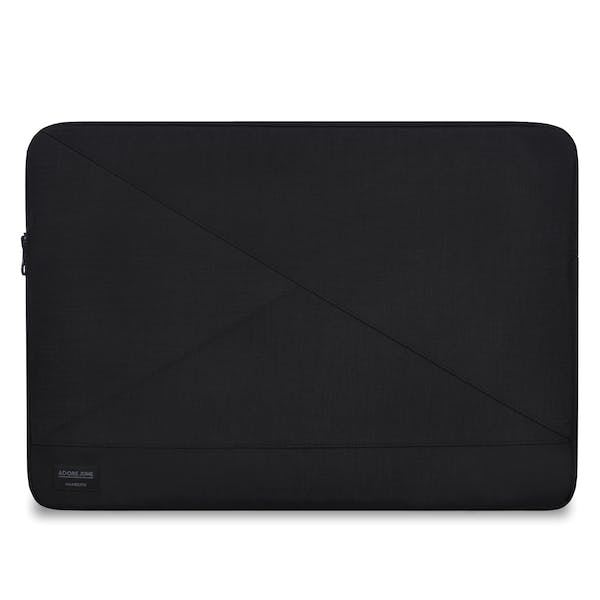 The picture shows the front of Triangle Sleeve for Lenovo ThinkPad X1 Carbon in color Black