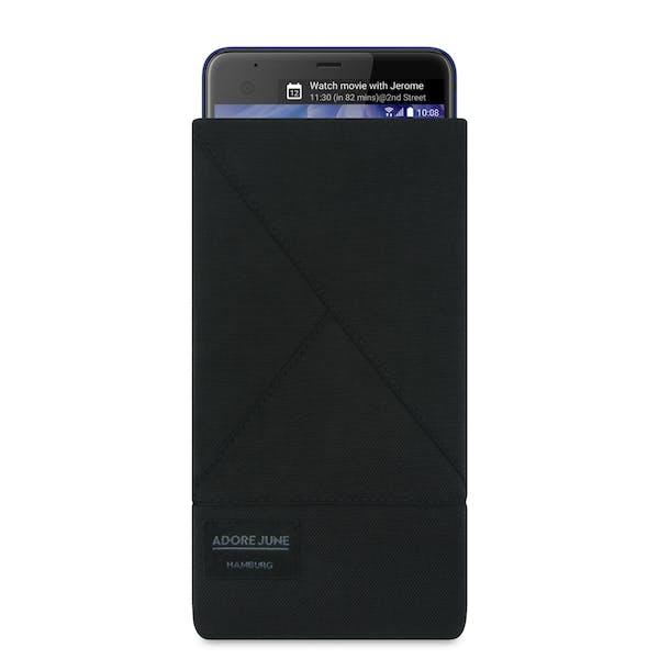 Das Bild zeigt die Vorderseite von Triangle Tasche für HTC U Ultra in Farbe Schwarz; Zur Veranschaulichung wird ebenfalls dargestellt, wie das kompatible Gerät in dieser Tasche aussieht