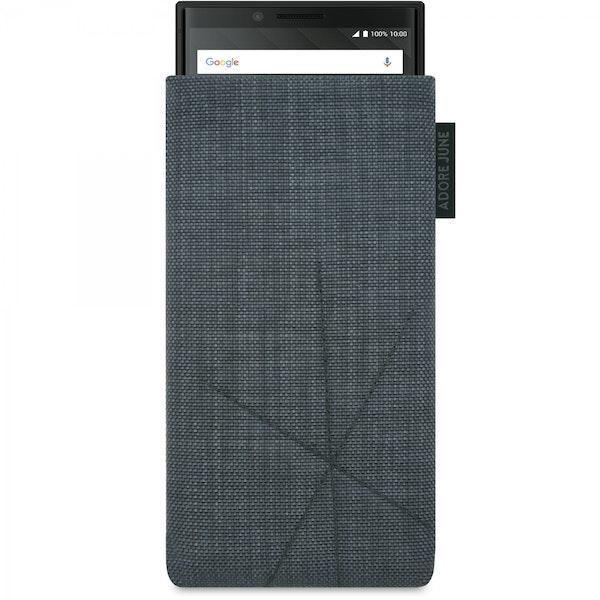 Das Bild zeigt die Vorderseite von Axis Tasche für BlackBerry Key2 und Key2 LE in Farbe Dunkelgrau; Zur Veranschaulichung wird ebenfalls dargestellt, wie das kompatible Gerät in dieser Tasche aussieht