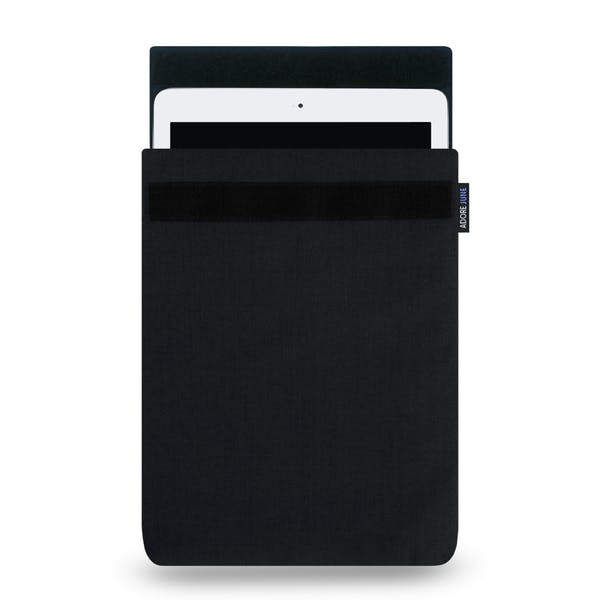 The picture shows the front of Classic Sleeve for Apple iPad Air and Pad Pro in color Black; As an illustration, it also shows what the compatible device looks like in this bag